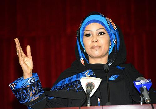 """Hinda Déby appelle à """"transcender, les clivages Nord-Sud, Musulmans/Chrétiens, Francophones/Arabophones"""""""