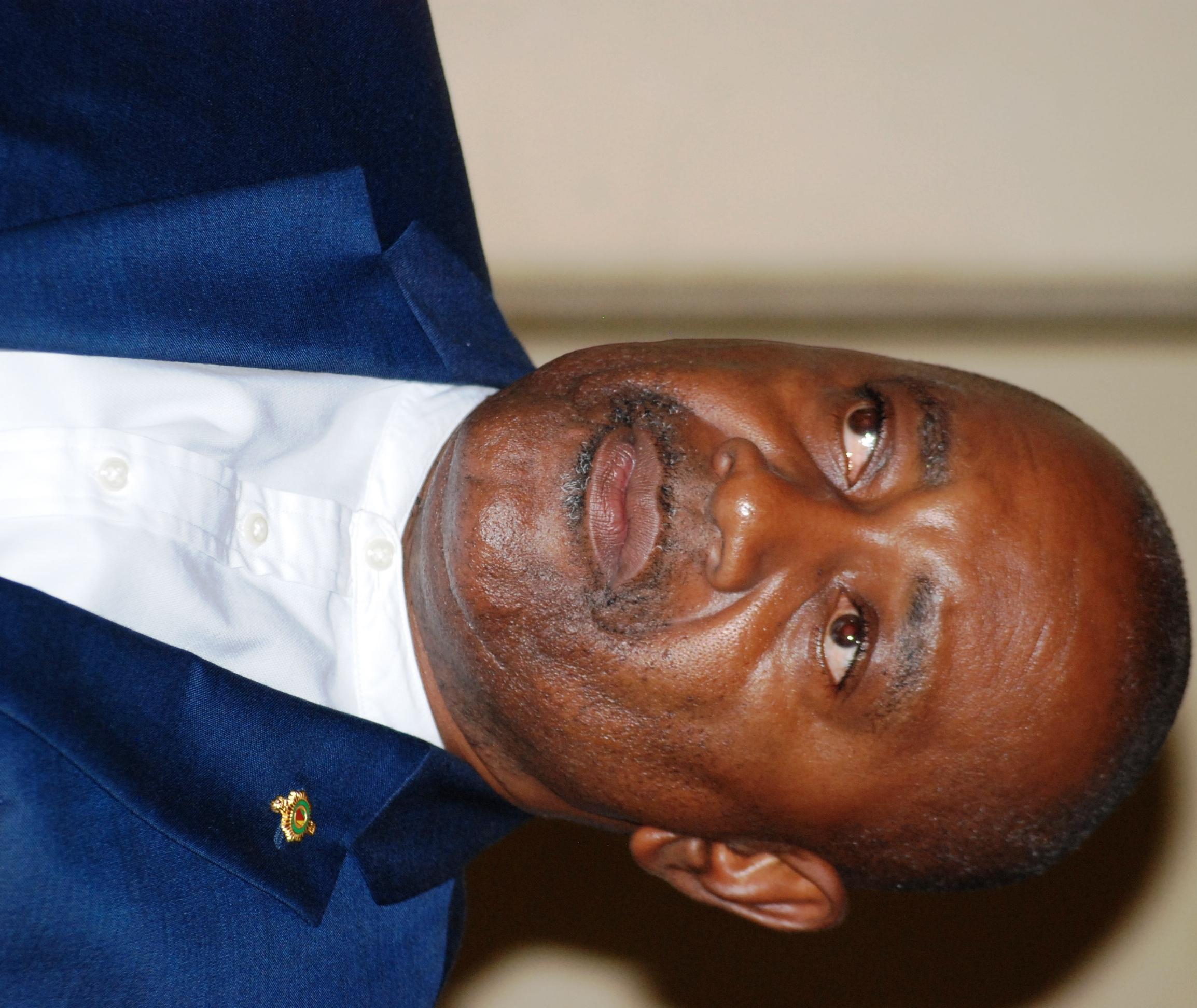 sénateur Xavier Menye Ondo