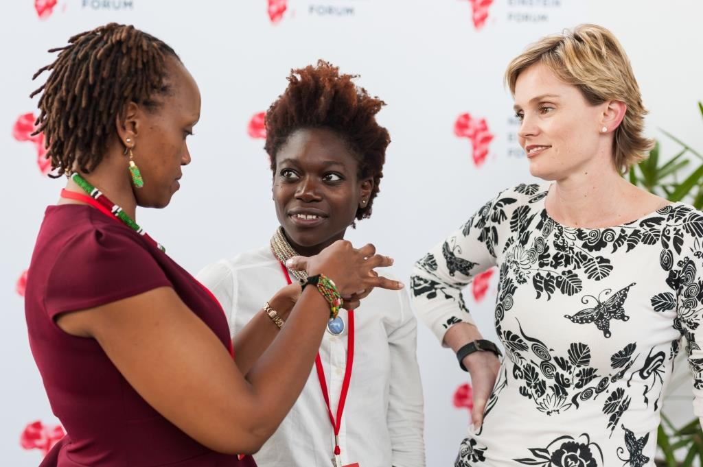 Le Next Einstein Forum lance un sondage pour mesurer l'écart entre les genres dans l'enseignement des STIM et la recherche en Afrique