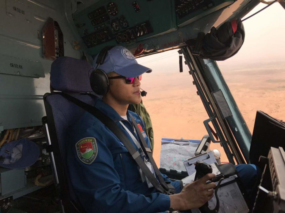 A pilot of the Chinese peacekeeping helicopter detachment is in peacekeeping operation. (Photo by the Chinese peacekeeping helicopter detachment)
