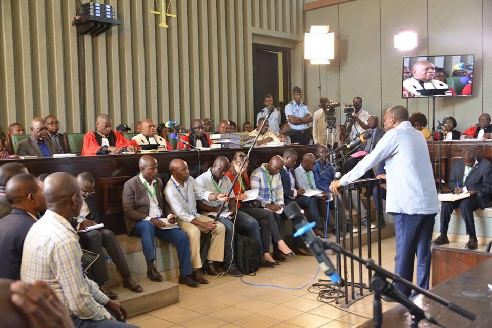 Jean Marie Mokoko devant la barre, à la deuxième journée du procès.