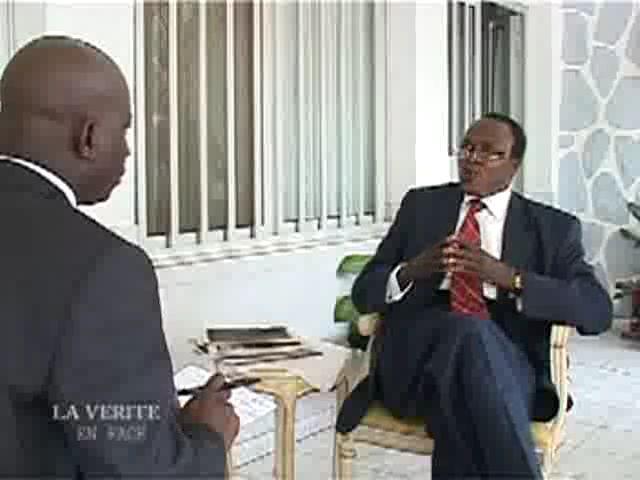 Prof.Jean Claude Shanda Tonme face à la presse