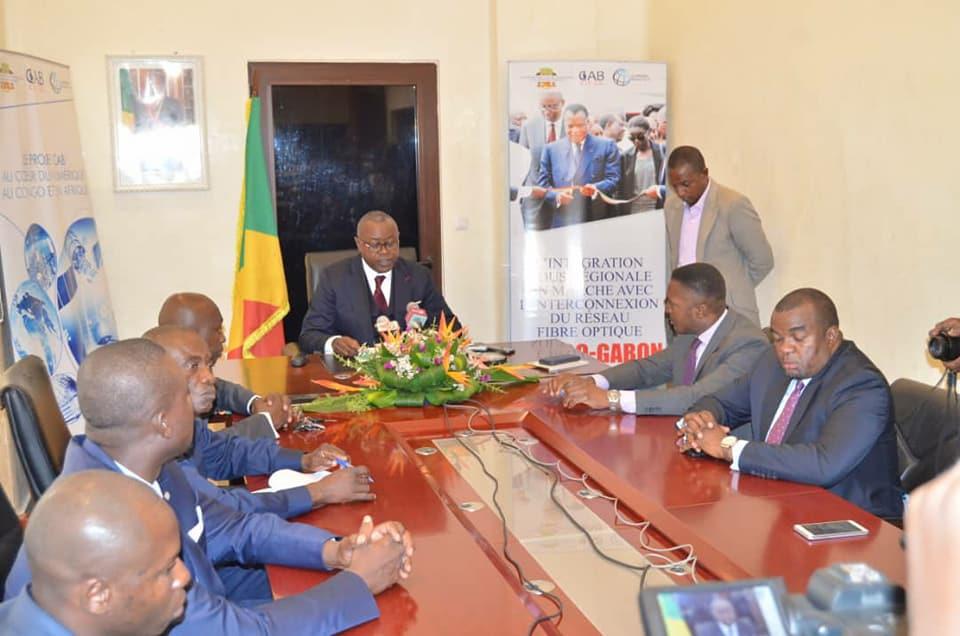 Le ministre Léon Juste Ibombo, au cours de la conférence de presse.