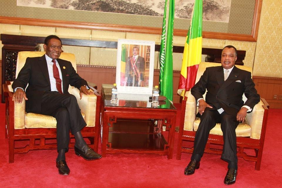 Sassou N'guesso et Obiang Nguema au cours de leur échange.
