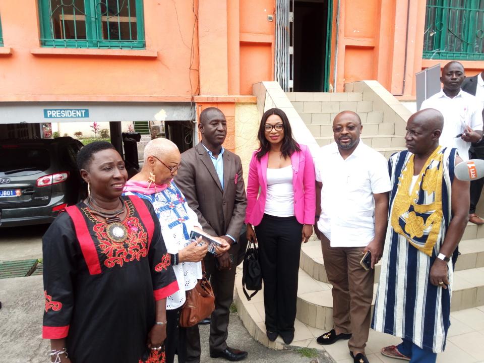 Lutte contre le cancer du sein en Côte d'Ivoire : La mobilisation et l'engagement des médias souhaités.