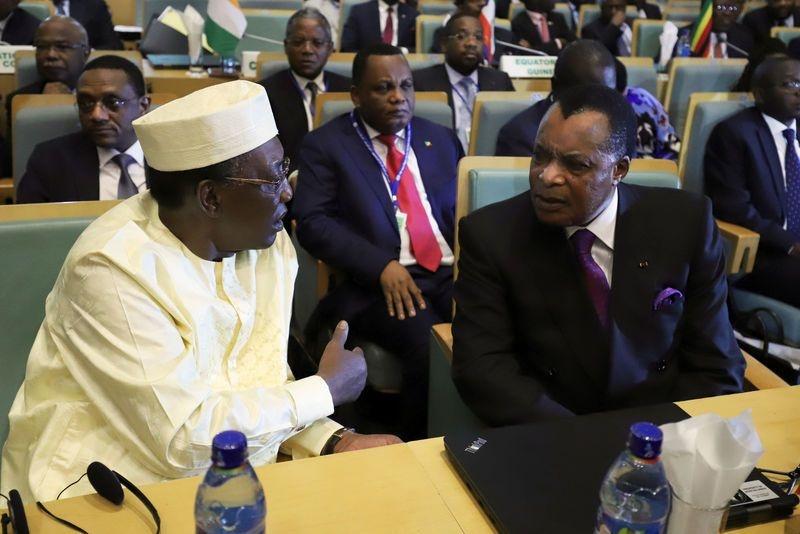 Sassou N'Guesso (à droite) et Idriss Deby (à gauche). © Reuters