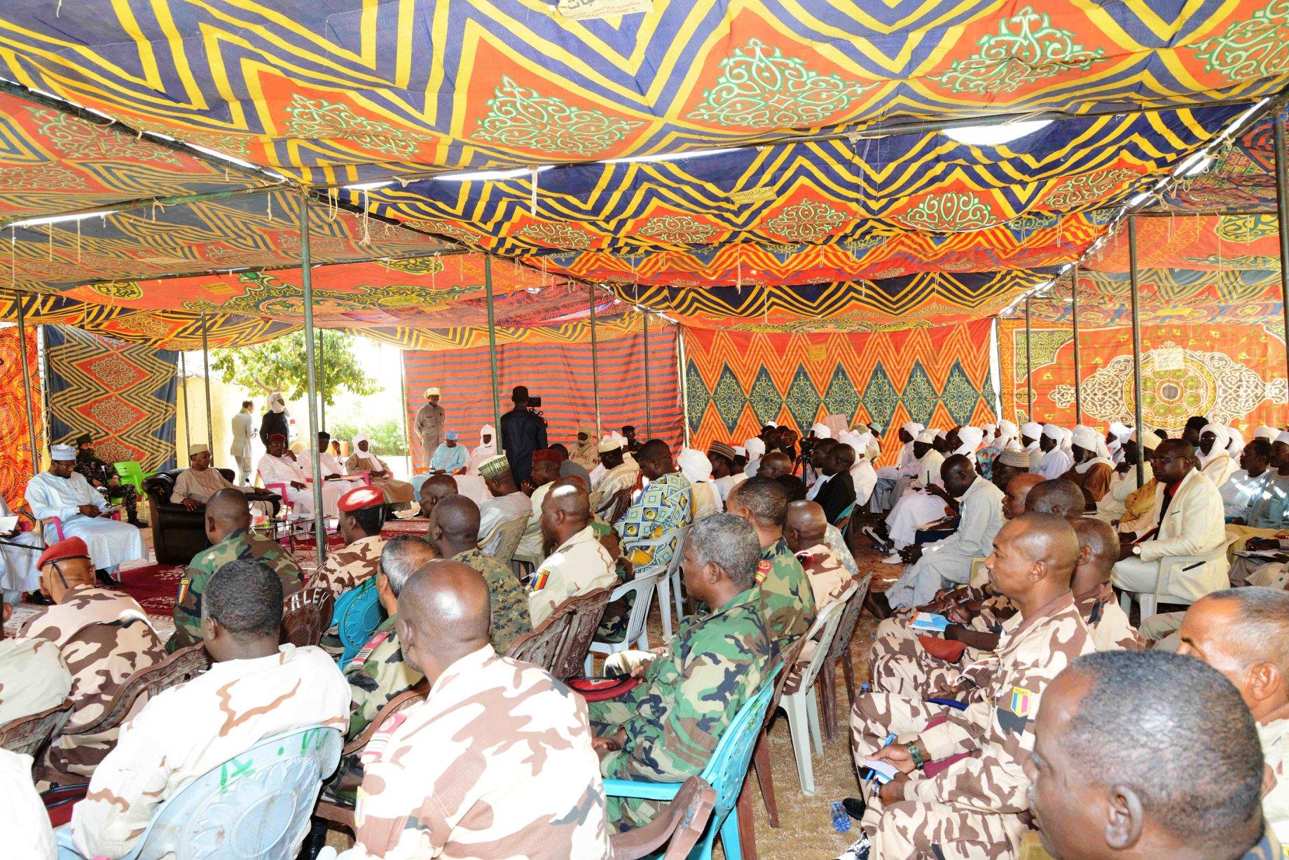 Rencontre du chef de l'Etat tchadien avec les représentants des populations du Ouaddaï et Sila, à Abéché.