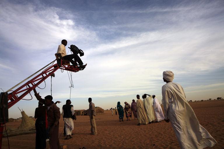 "Tournage du film ""Stolen the Sun"" à Omdurman, january 2011. CRÉDITS : MOHAMED NURELDIN ABDALLAH / REUTERS"