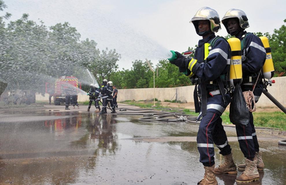 Des pompiers tchadiens formés par les EFT. Illustration. © DR/Min.ArméesFR