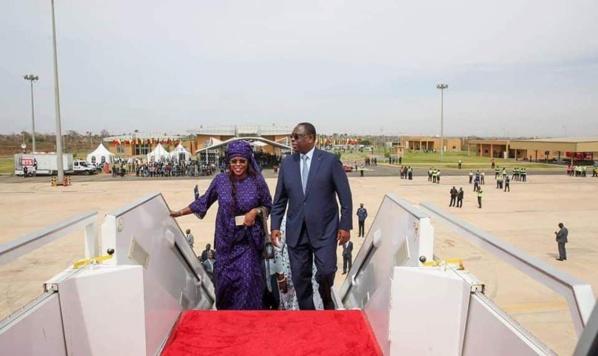 Le couple présidentiel sénégalais lors de l'inauguration de la compagnie Air Sénégal. © DR