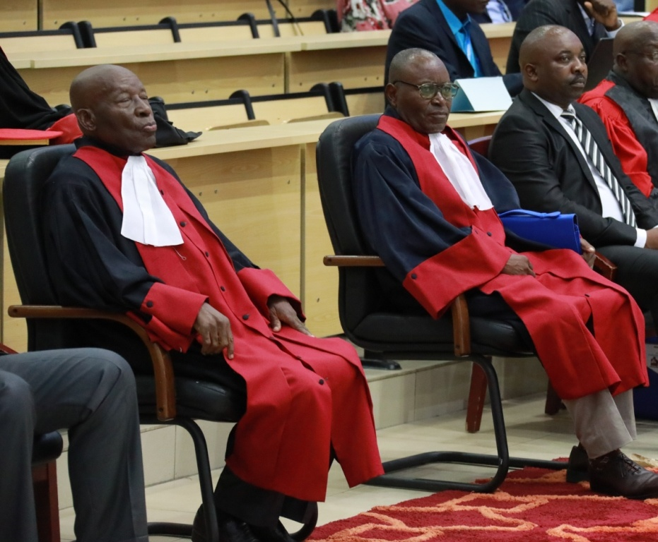 Les professeurs Bonaventure Mengho et Samba Kimbata.