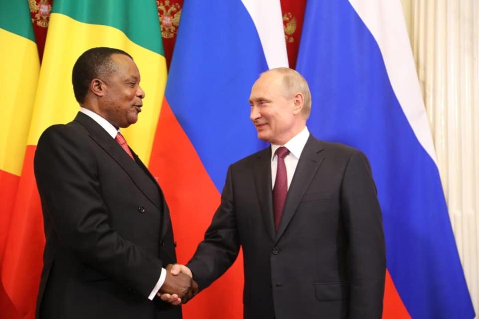 Les présidents Sassou N'Guesso et Vladimir Poutine.