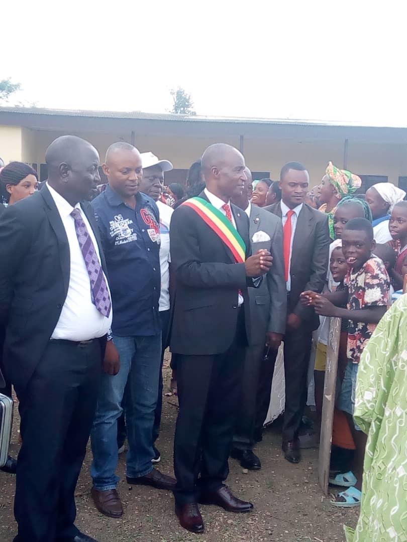 Le député Pierre Mouandza face à ses mandants.