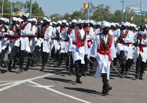 Des paramilitaires de la garde nationale et nomade du Tchad, lors d'un défilé. © DR