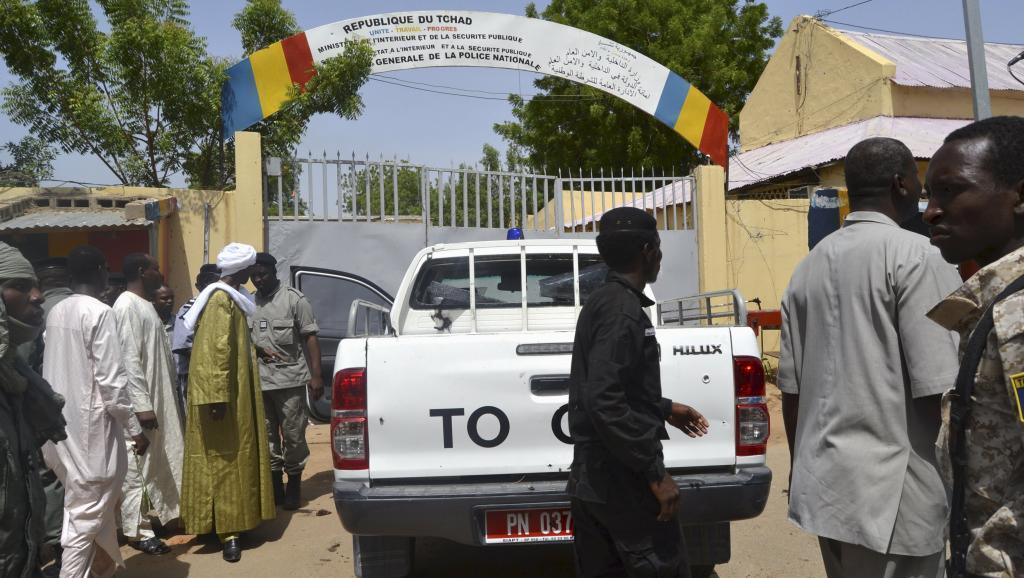 Des policiers à Ndjamena au Tchad. © REUTERS/Moumine Ngarmbassa