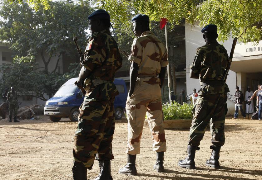 Soldats tchadiens devant le tribunal de N'djamena (image d'illustration). © Thomas SAMSON/Gamma-Rapho via Getty Images