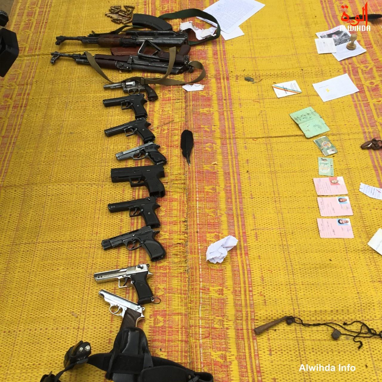 Des armes saisies par la police tchadienne et présentées en juin 2019 à N'Djamena. ©Alwihda Info
