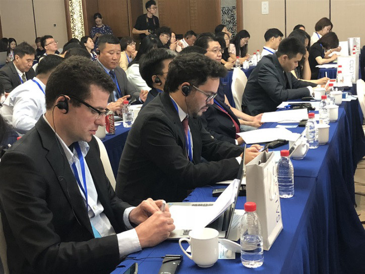 Scholars and representatives from different countries exchange views on Xi Jinping Thought on Diplomacy at the 29th Wanshou Forum, which was hosted by the International Department of the Central Committee of the Communist Party of China in Beijing on June 25. (Photo by Li Xinyi from People's Daily)