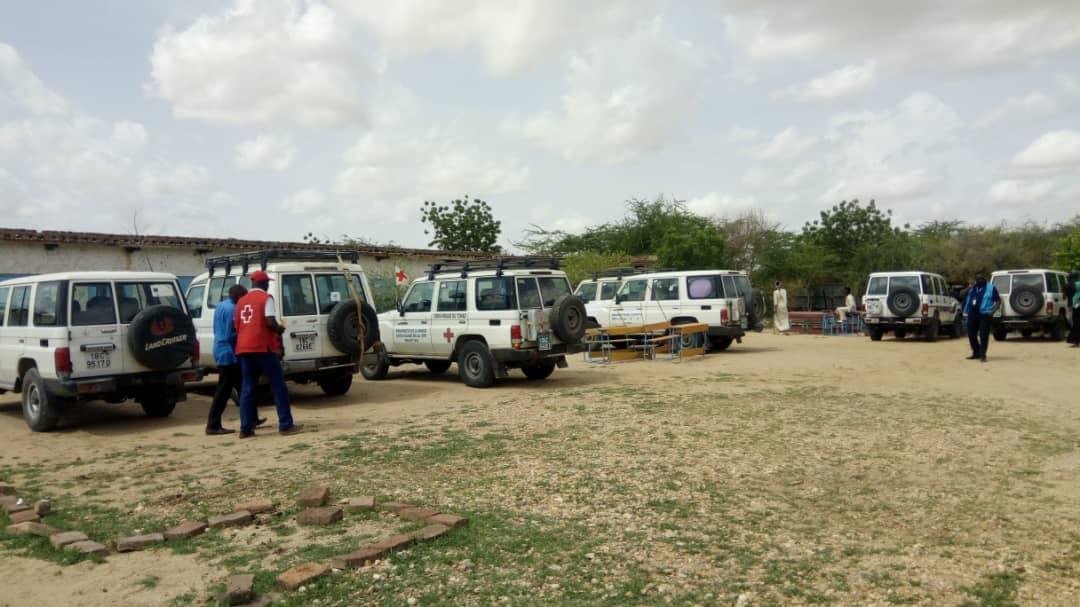 Des véhicules de La Croix-Rouge à Abéché, jeudi 11 juillet 2019. © Alwihda Info
