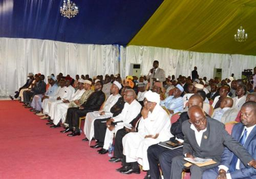 Tchad : réunie à la Présidence, l'opposition se divise devant Déby. © PR