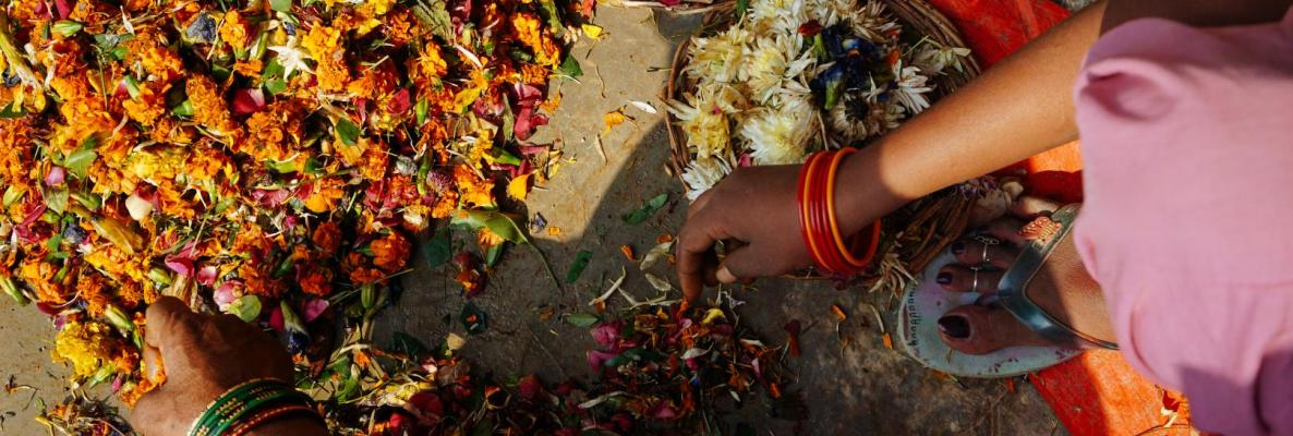HelpUsGreen is a flower-recycling initiative in India.