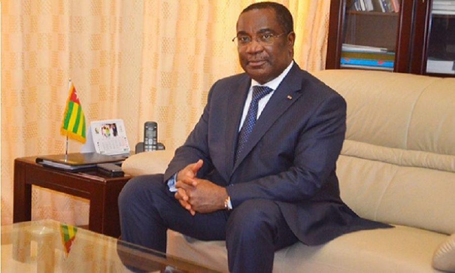 Le Premier ministre Komi Kassou s'est entretenu avec le comité d'organisation du forum « Invest in West Africa ». © DR