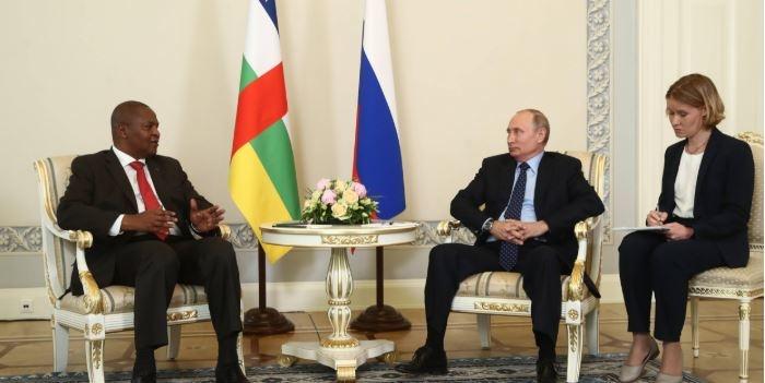 Les présidents centrafricain Touadera et russe Poutine lors d'une rencontre. ©DR