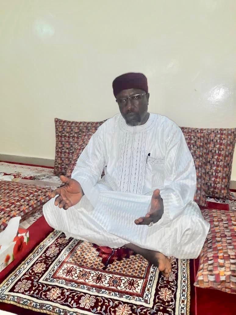 Tchad : à Abéché, le nouveau Sultan Chérif Abdelhadi mahdi a prié à la grande mosquée d'Al Atikh. © Alwihda Info