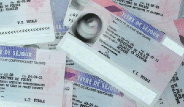 Certificat de résidence algérien mention « commerçant » : suspension d'une décision de refus de renouvellement suite à la seule prise en compte par le préfet du chiffre d'affaires