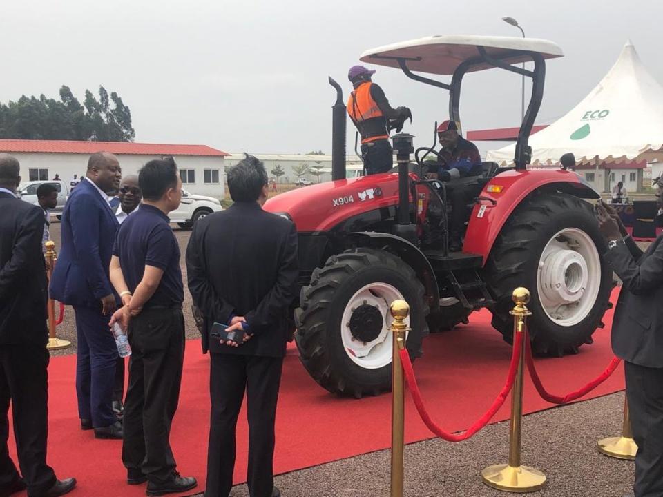 Le prototype de tracteur présenté à la presse.