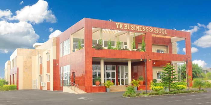 YKBS reçoit l'accréditation nationale pour ses six nouveaux programmes. ©DR