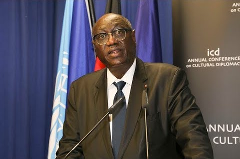 Tchad : le président de la République rend hommage à Mahamat Abdoulaye Senoussi. © DR