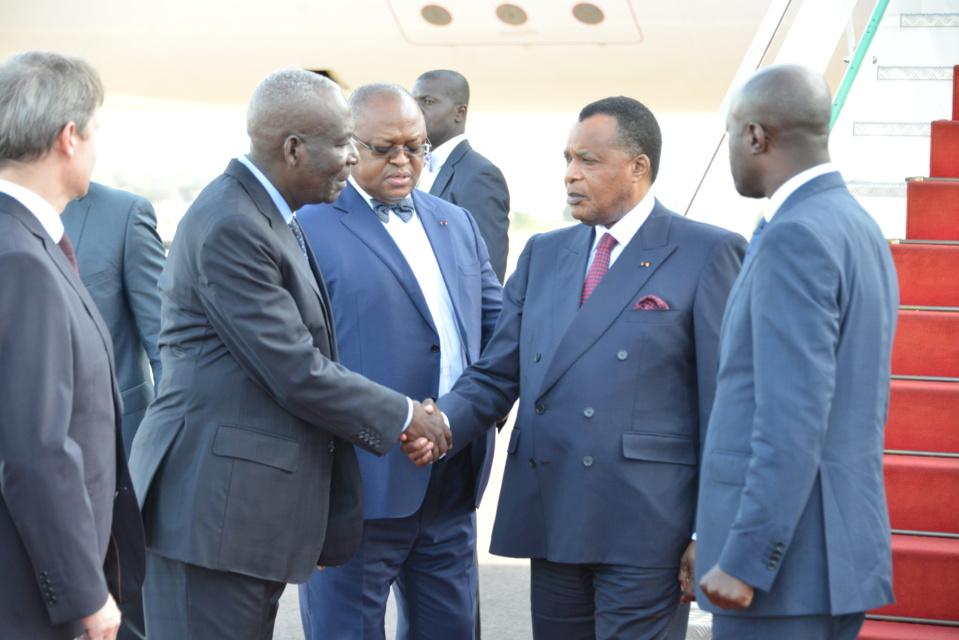 Denis Sassou N'Guesso, regagnant Brazzaville après Sotchi.