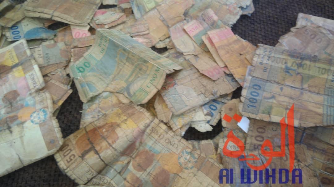"""Tchad : les billets """"fatigués"""" agacent les citoyens"""