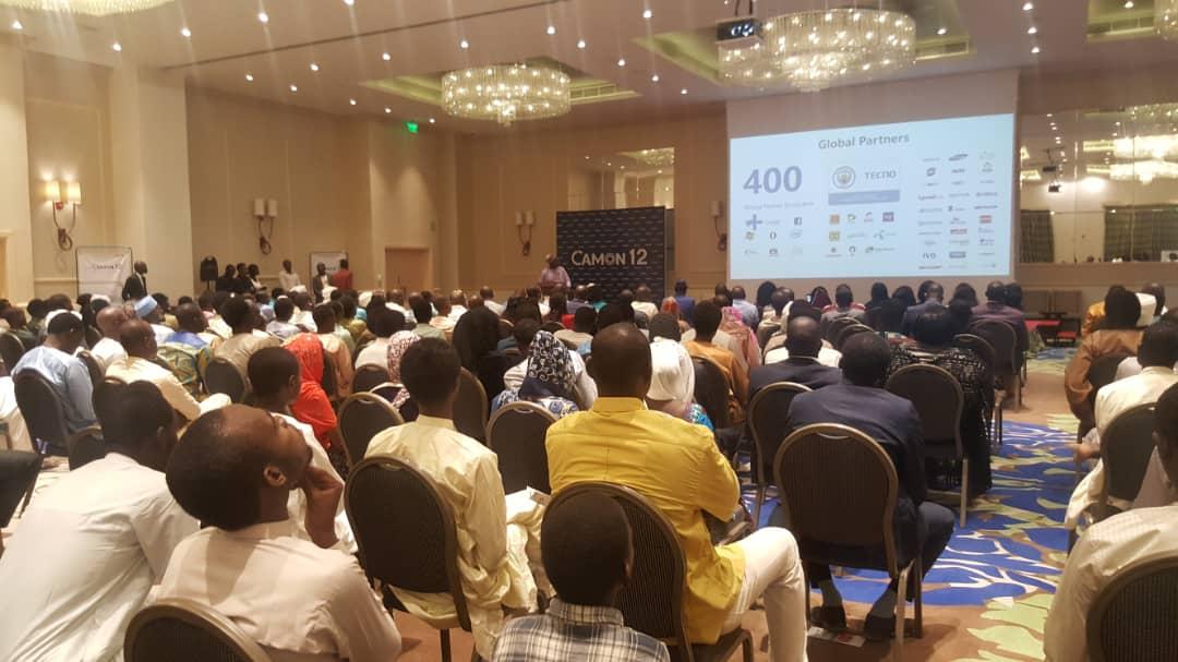 Tchad : le nouveau smartphone Tecno Camon 12 présenté à N'Djamena