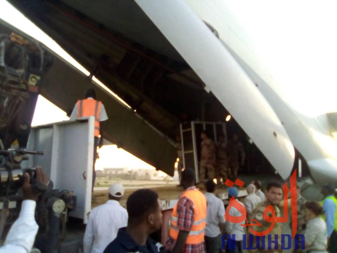 Tchad : un avion cargo transportant des oryx et addax se pose à l'aéroport d'Abéché. © Alwihda Info