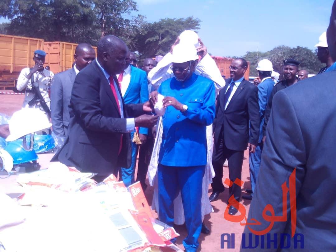 Tchad : le ministre d'Etat Kalzeubet Pahimi lance la campagne cotonnière à Moundou. © Alwihda Info/Golmen Ali