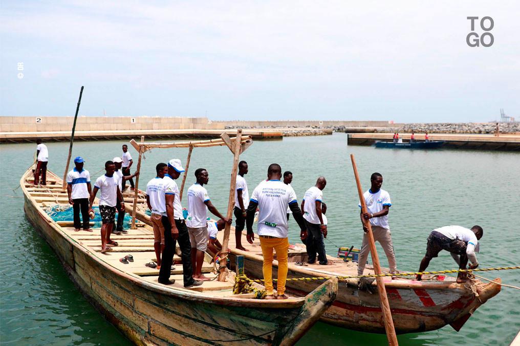 Togo : sept mois après son inauguration, le Port de pêche de Gbétsogbé est enfin opérationnel. © RT