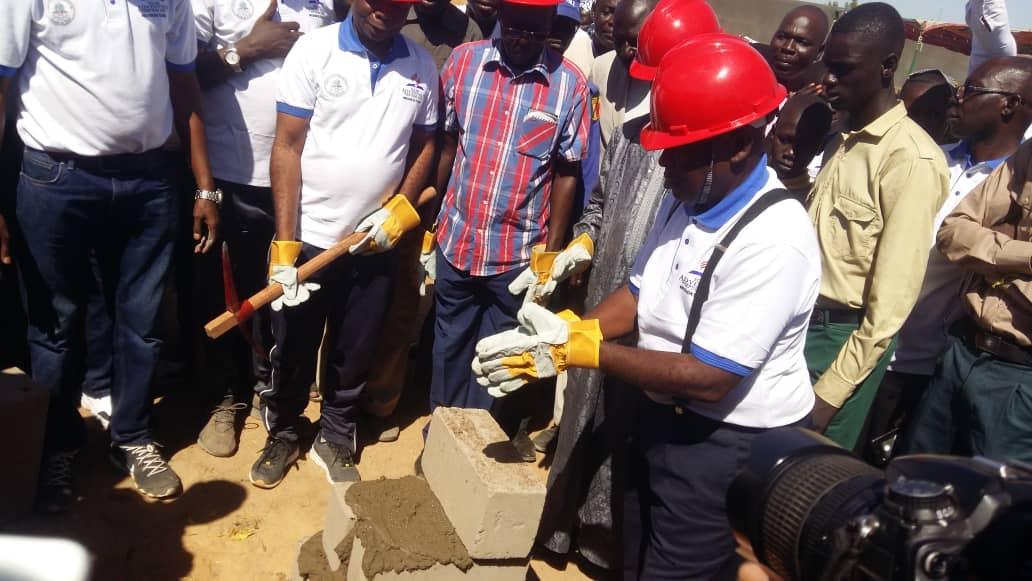 Tchad : pose de la pierre de construction d'une école au 9ème arrondissement de N'Djamena. © Alwihda Info