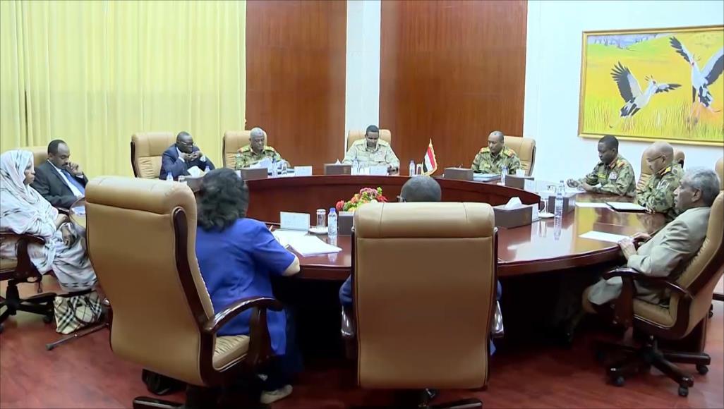 Soudan : le vice-président et le premier ministre à Aldjinena après des affrontements. © DR