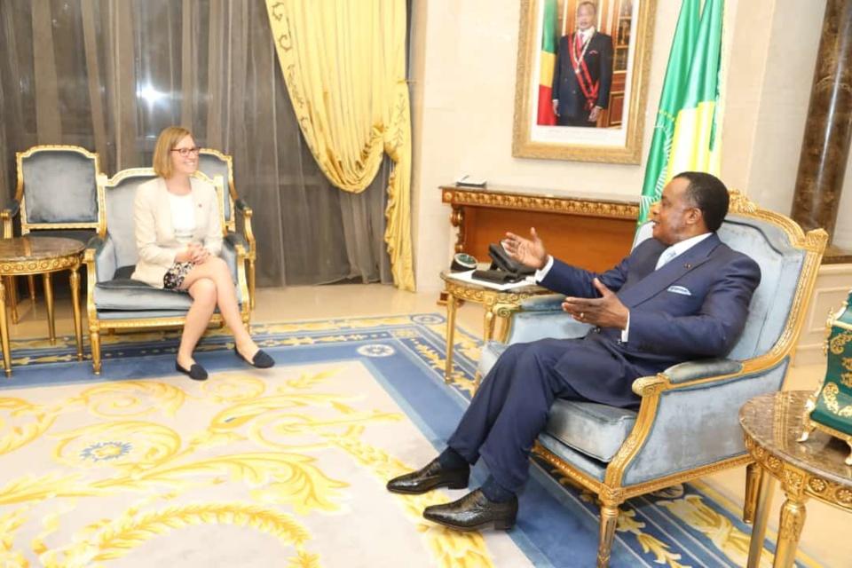 Denis Sassou N'Guesso et la ministre canadienne.