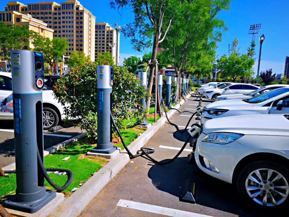 New energy vehicles are being charged at a charging station in Qingdao, east China's Shandong Province. Photo provided by TELD Shandong branch