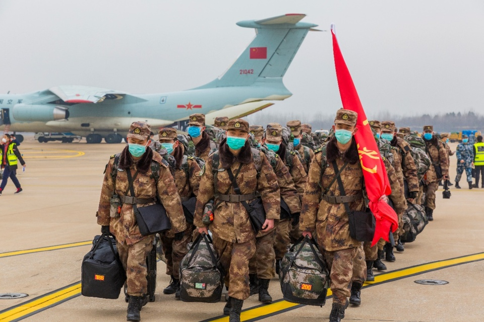 A total of 1,400 medical staff from the Chinese army are tasked with treating patients with pneumonia caused by the novel coronavirus in Huoshenshan Hospital starting from Feb.3. (Photo by Zhang Wujun/ People's Daily)