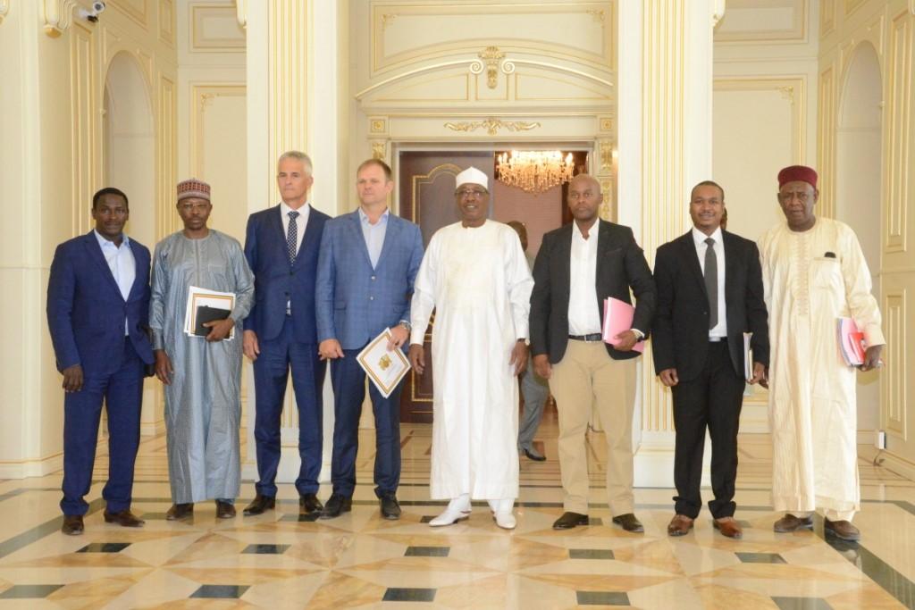 Tchad : les résultats de recherches minières au Batha présentés au chef de l'Etat. © PR