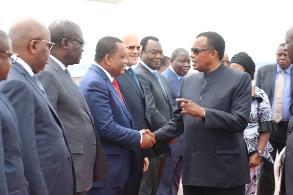 Sassou N'Guesso accueilli à Brazzaville par les membres du gouvernement