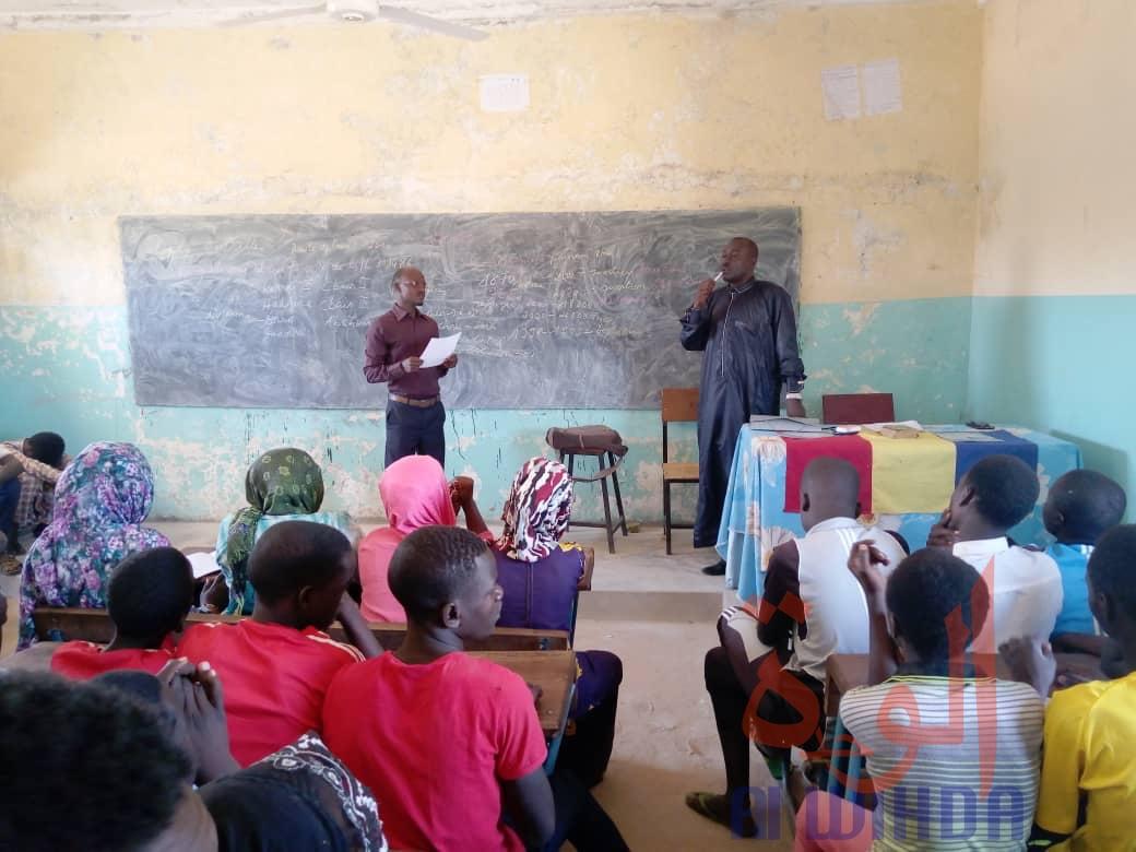 Tchad : civisme et salubrité tiennent à cœur des collégiens à Goz Beida. © Mahamat Issa Gadaya/Alwihda Info