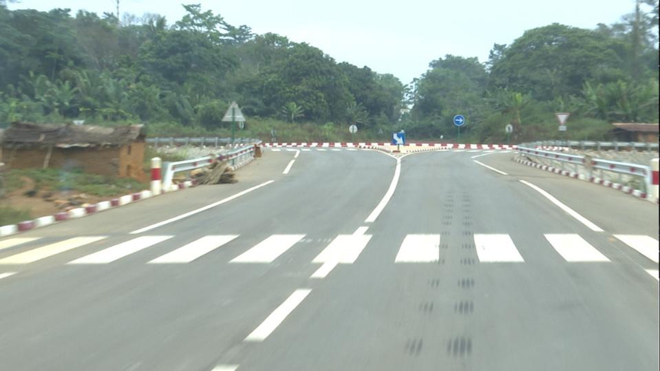 La route Sembé-Souanké-Ntam.