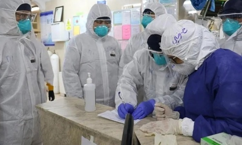 A volunteer medical team sent to Iran by the Red Cross Society of China visits a hospital for investigation. Photo: Courtesy of the Red Cross Society of China