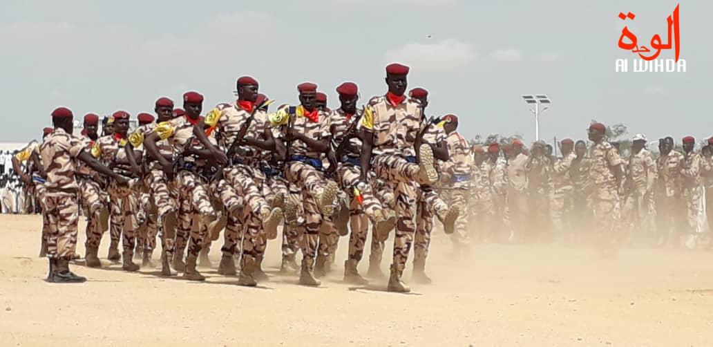 Des soldats tchadiens lors d'un défilé militaire. © Alwihda Info