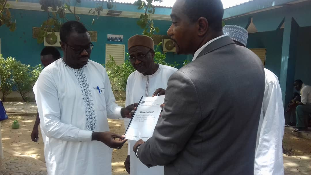 Tchad : Covid-19 et milieu professionnel, un guide explicatif présenté. © Alwihda Info